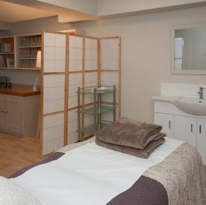 natural-health-clinic-oxford-bonn-square-therapy-room-treatment-area
